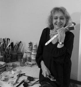 Photo of Carolee Schneeman by Janette Beckman.